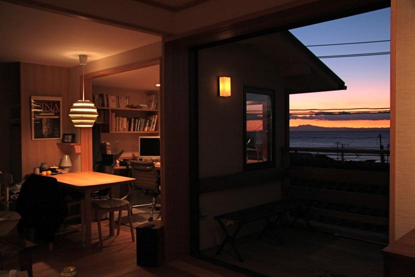 建築家:渡辺貞明建築設計事務所「海と暮す家」