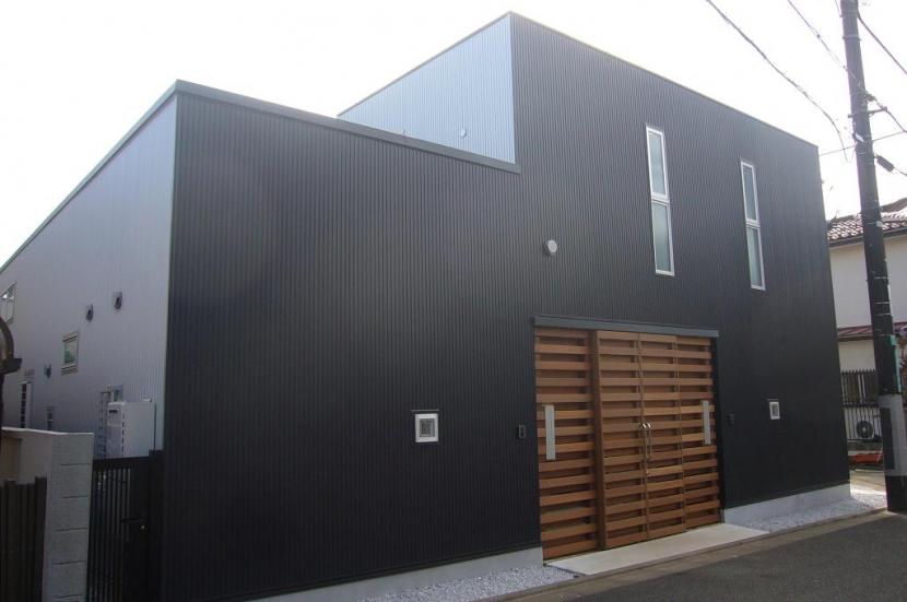 建築家:三浦尚人「中庭を挟んだ二世帯住宅」