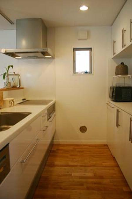 借景を取り込む家の部屋 キッチン