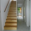 借景を取り込む家の写真 階段