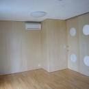 ギャラリーのある二世帯住宅の写真 子供室