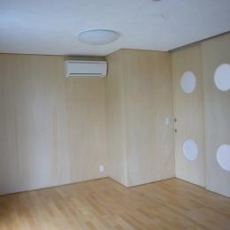 ギャラリーのある二世帯住宅 (子供室)
