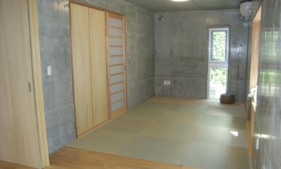 ギャラリーのある二世帯住宅 (和室)