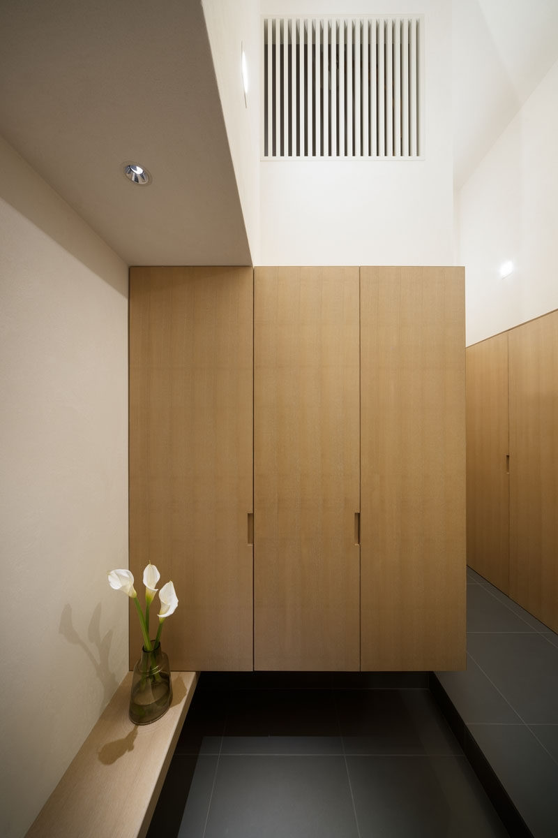 taura house (玄関)
