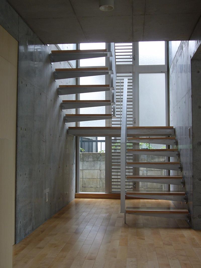 ギャラリーのある二世帯住宅の写真 玄関ホール・階段