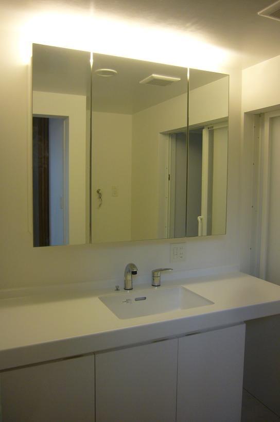 木造三階建て二世帯住宅の部屋 洗面脱衣室