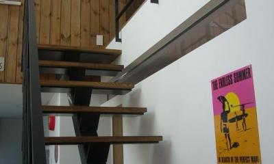 木造三階建て二世帯住宅 (階段・吹き抜け)