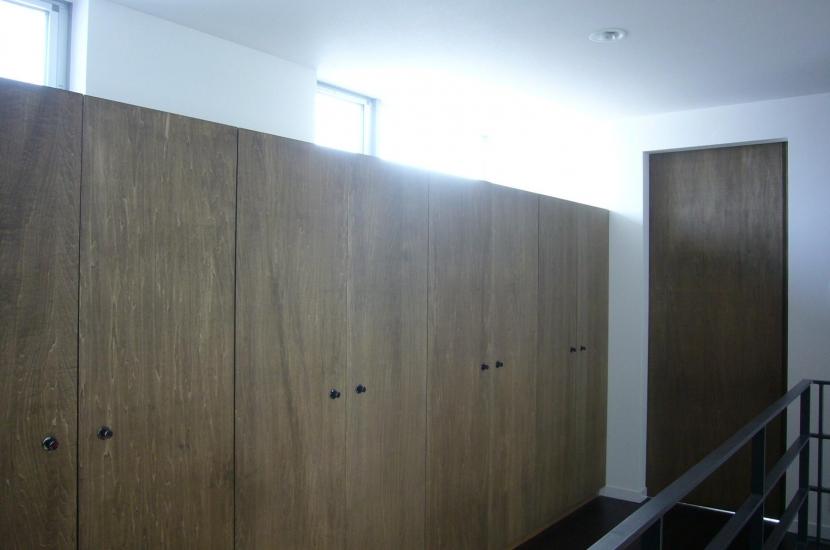 建築家:三浦尚人「木造三階建て二世帯住宅」