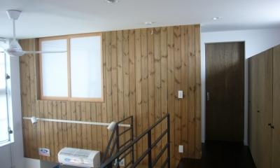 廊下・吹き抜け|木造三階建て二世帯住宅