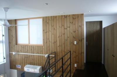 廊下・吹き抜け (木造三階建て二世帯住宅)