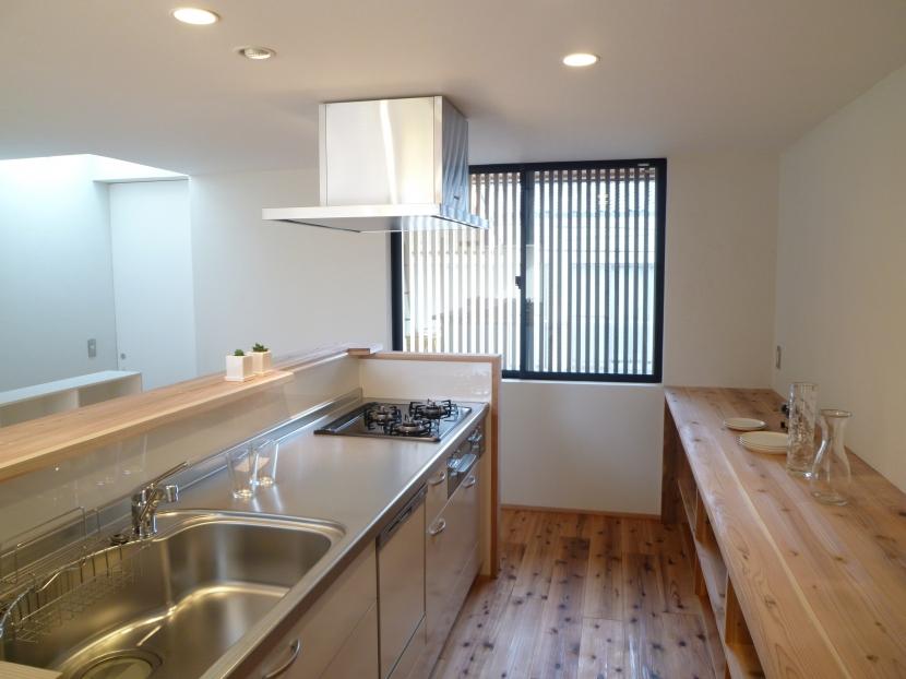「狭小地域の家@現代京町家」の部屋 キッチン