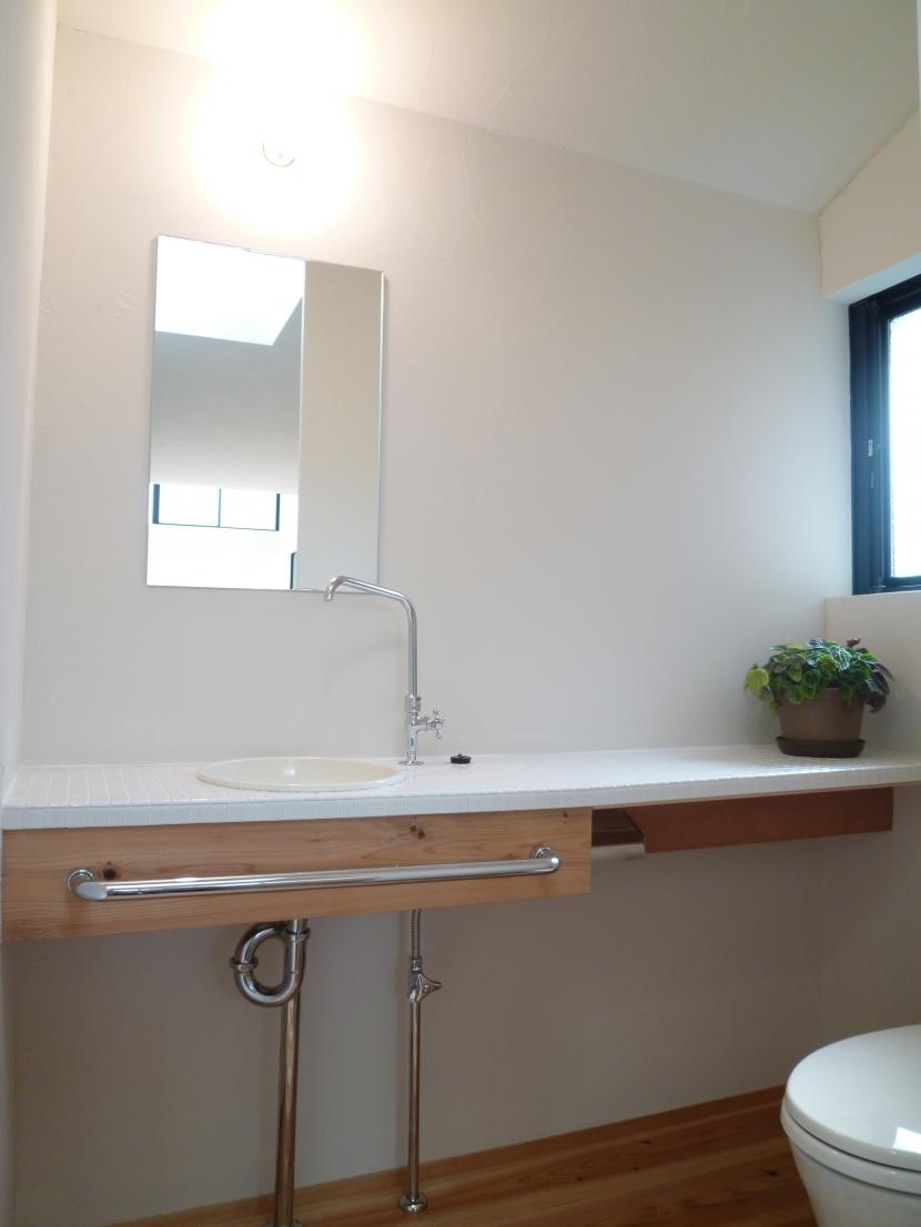 「狭小地域の家@現代京町家」の部屋 WC