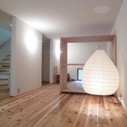 「狭小地域の家@現代京町家」 (寝室)