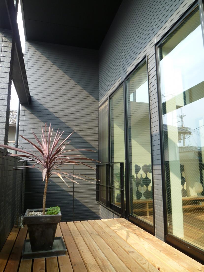 「狭小地域の家@現代京町家」の部屋 ベランダ