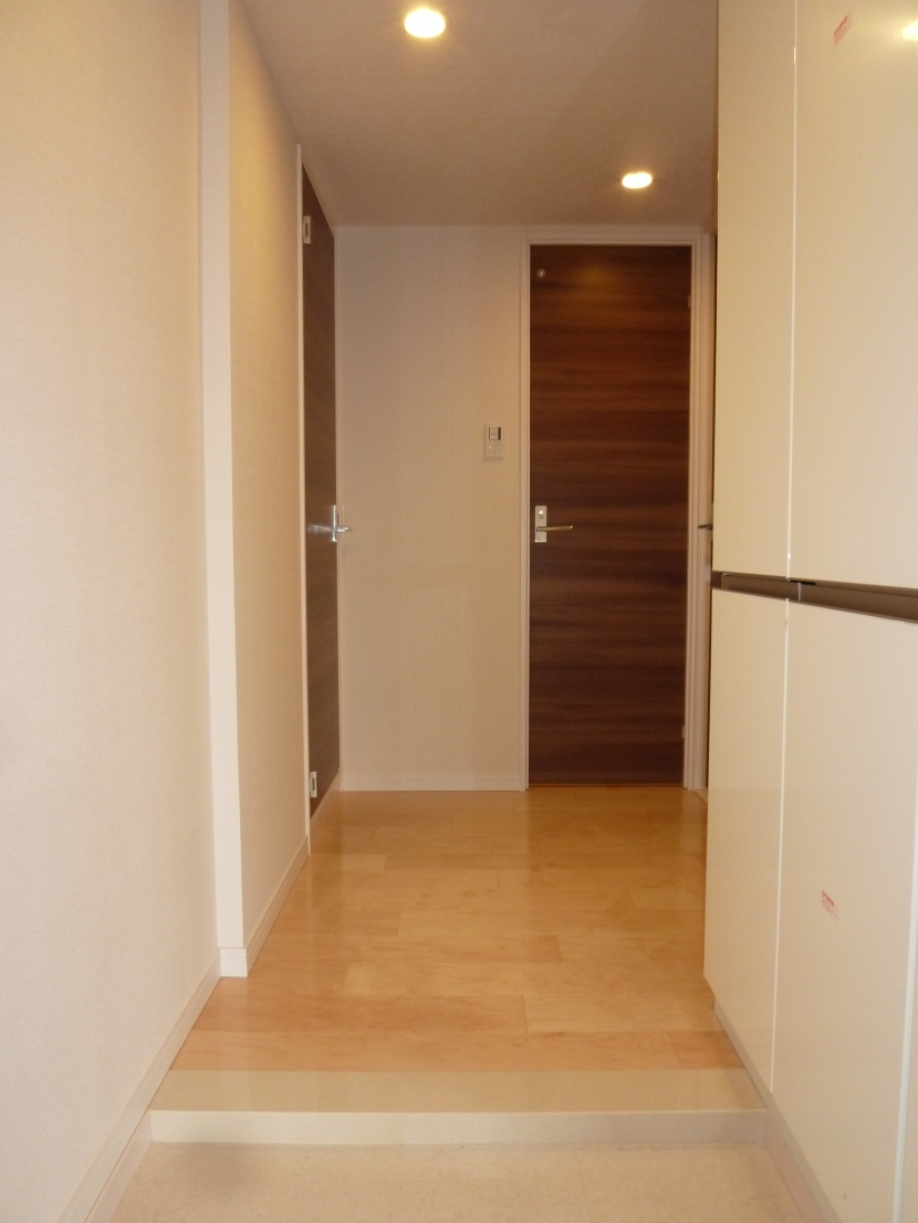 乃木坂邸の部屋 玄関ホール