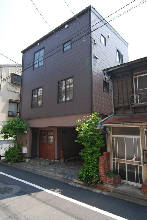 木造耐火構造の町屋~狭小地3階建ての住まい~ (町並みをつくる)