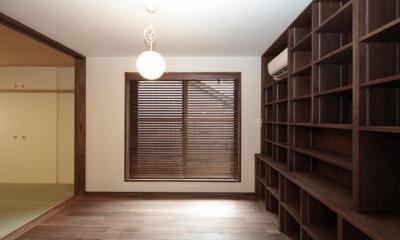 木造耐火構造の町屋~狭小地3階建ての住まい~ (図書室)