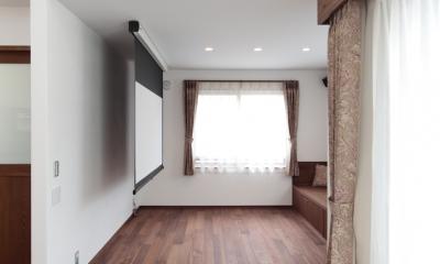 木造耐火構造の町屋~狭小地3階建ての住まい~ (居間)