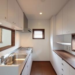 木造耐火構造の町屋~狭小地3階建ての住まい~ (台所)