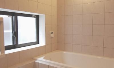 木造耐火構造の町屋~狭小地3階建ての住まい~ (浴室)