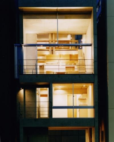 日本橋-川辺の家 (夕景)