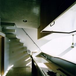 日本橋-川辺の家 (キッチンから見る寝室)