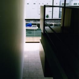 日本橋-川辺の家 (踊場からの景色)