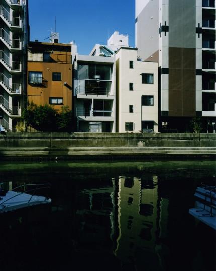 建築家:西島正樹「日本橋-川辺の家」