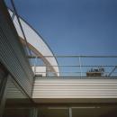コーナーガーデンの家の写真 バルコニー
