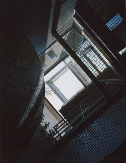 アウトドア事例:吹抜け(コーナーガーデンの家)