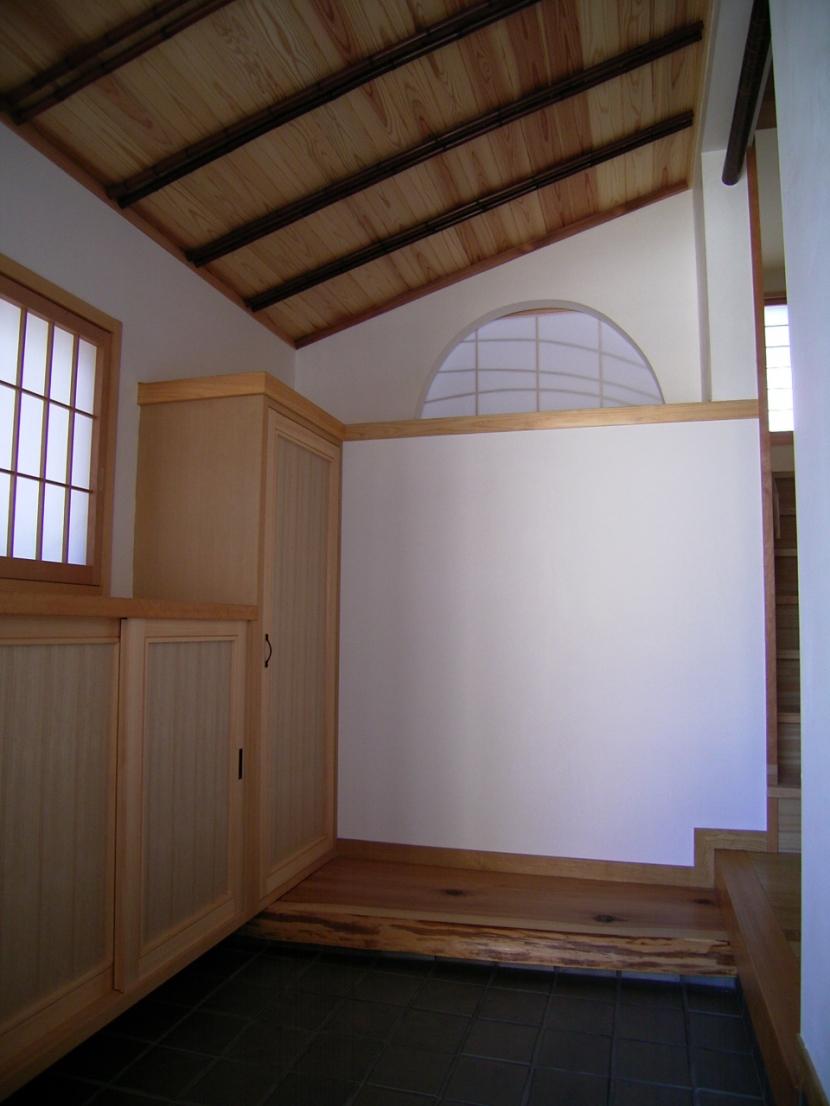 土間ワークスペースのある蔵の家の部屋 玄関