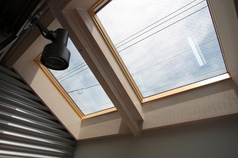 ツインバルコニーの家の部屋 プライバシーを確保できるインナーバルコニー