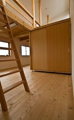 ANA   nHOUSE -ガレージで囲われた中庭のある平屋- (子供室)