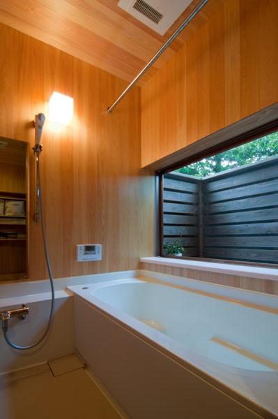 アオハダの家の部屋 浴室
