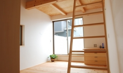 三山の家 (寝室)