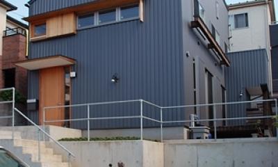 三山の家 -コンパクトで高密度の空間を実現-