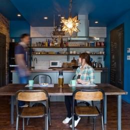 キッチン1 (『azur mur』 ― カフェに住む)