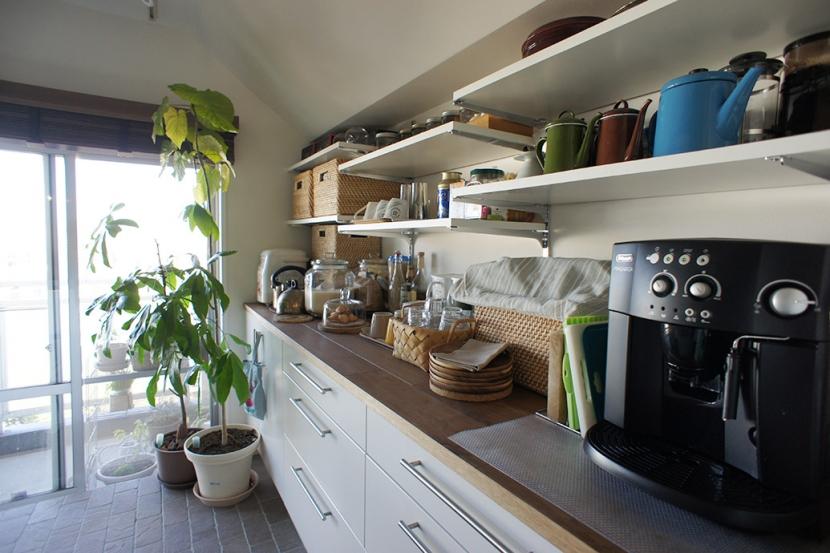 猫の遊び場とインテリアが一体化。 夫婦と姉妹猫が仲良く暮らす家 - NECODOMA -の部屋 キッチン2