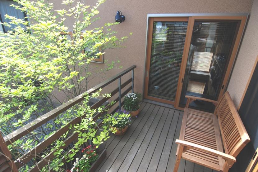 小さな家~緑の中で暮らす木のアトリエ付住宅~ (屋外空間を楽しみたい)