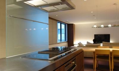 Homat Orient (キッチンからリビングダイニング2)