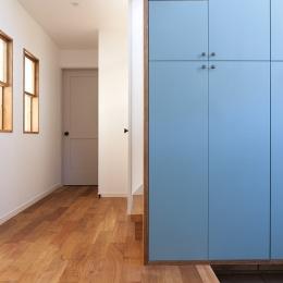 玄関 (『jasmin bleu』 ― 絵画のように)