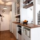 アンティーク雑貨が揃うカフェのような美しい住空間 – BASC GRAY -