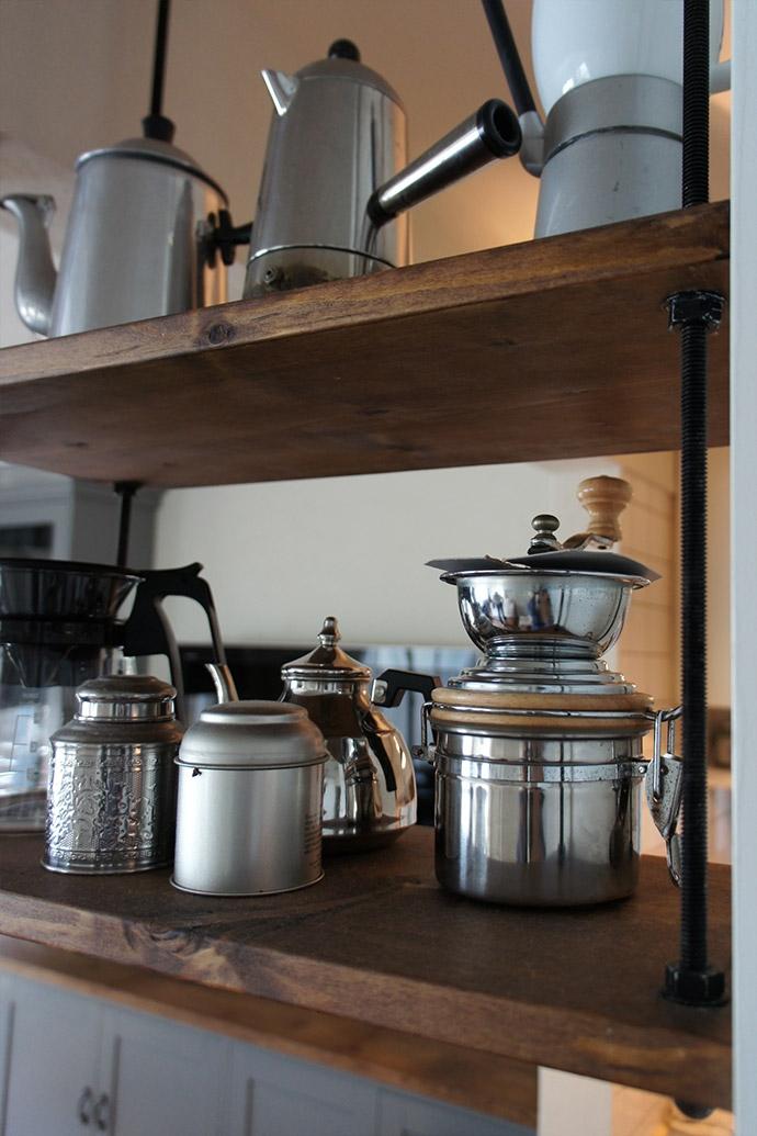 リノベーション・リフォーム会社:空間社「アンティーク雑貨が揃うカフェのような美しい住空間 – BASC GRAY -」