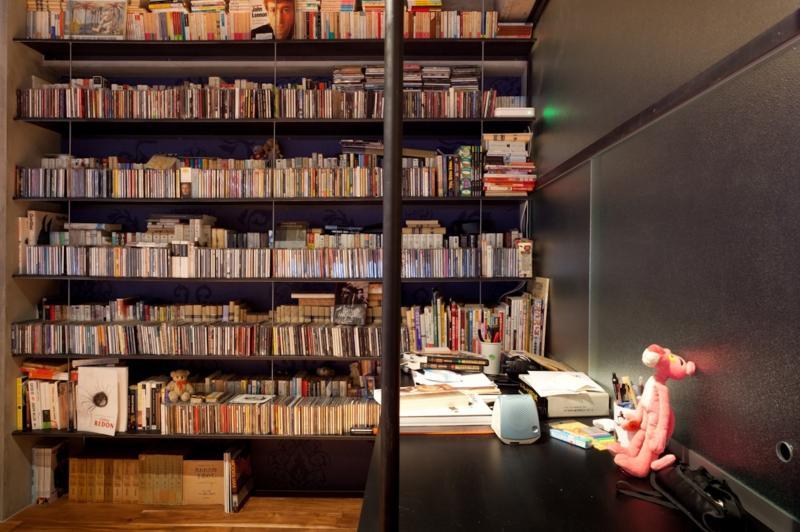 風格漂う中野ブロードウェイで ワインを楽しむ 大人リノベーションの部屋 本棚