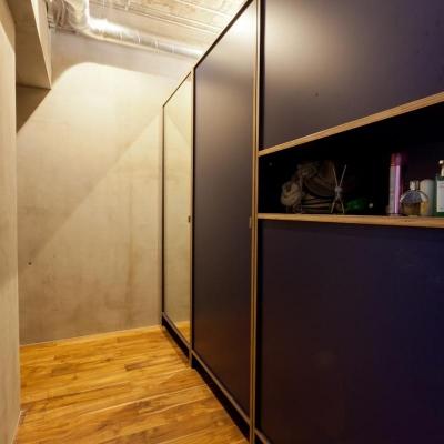 廊下 (風格漂う中野ブロードウェイで ワインを楽しむ 大人リノベーション)