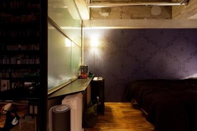 ベッドルーム2 (風格漂う中野ブロードウェイで ワインを楽しむ 大人リノベーション)
