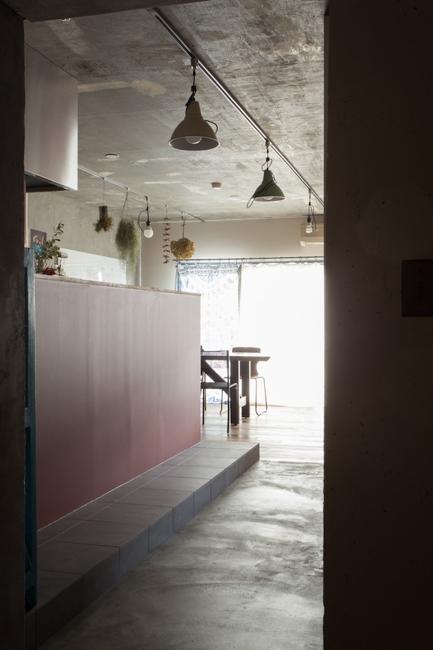 家を育てるリノベーション 好きなものに囲まれた暮らし (廊下)