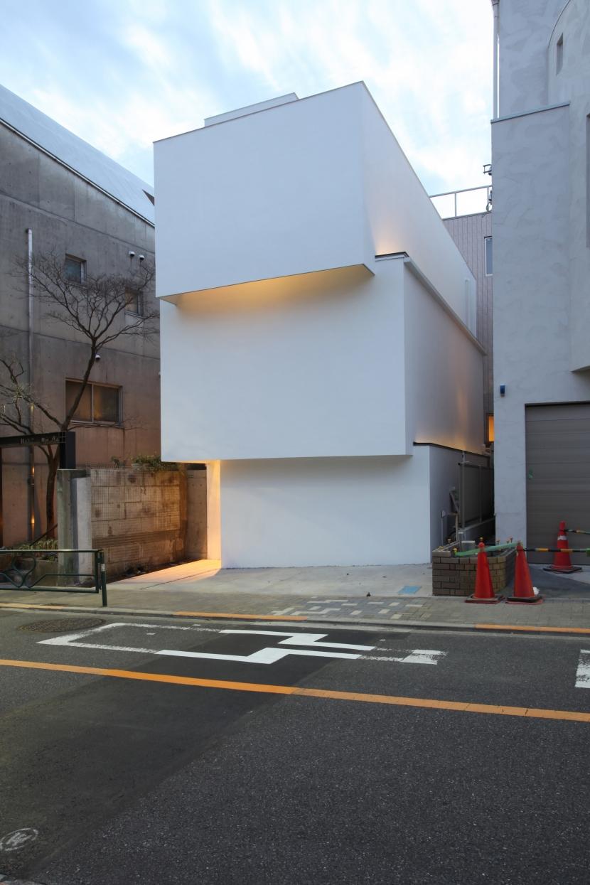 建築家:富永哲史「オビノイエ」