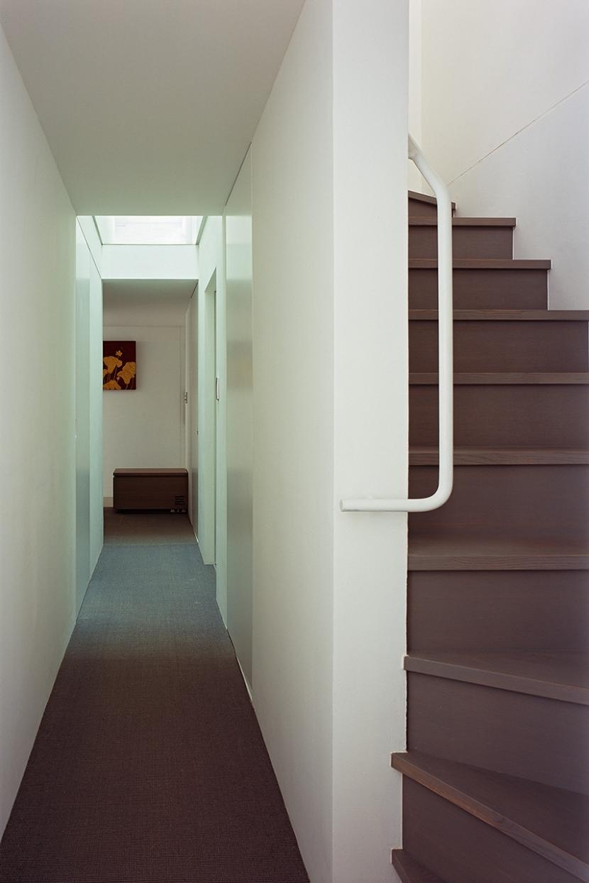 オビノイエの部屋 廊下1