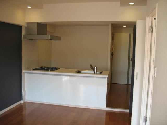 六本木のビンテージマンションリノベーションの部屋 オープンキッチン